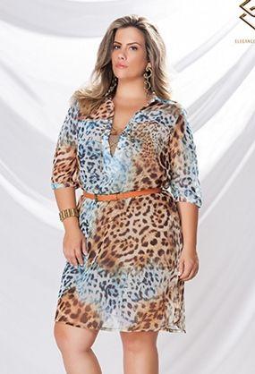 33a5ca678f Vestido chemise em tecido de cetim com toque de seda sem elastano. Sua  modelagem é ampla estilo camisão