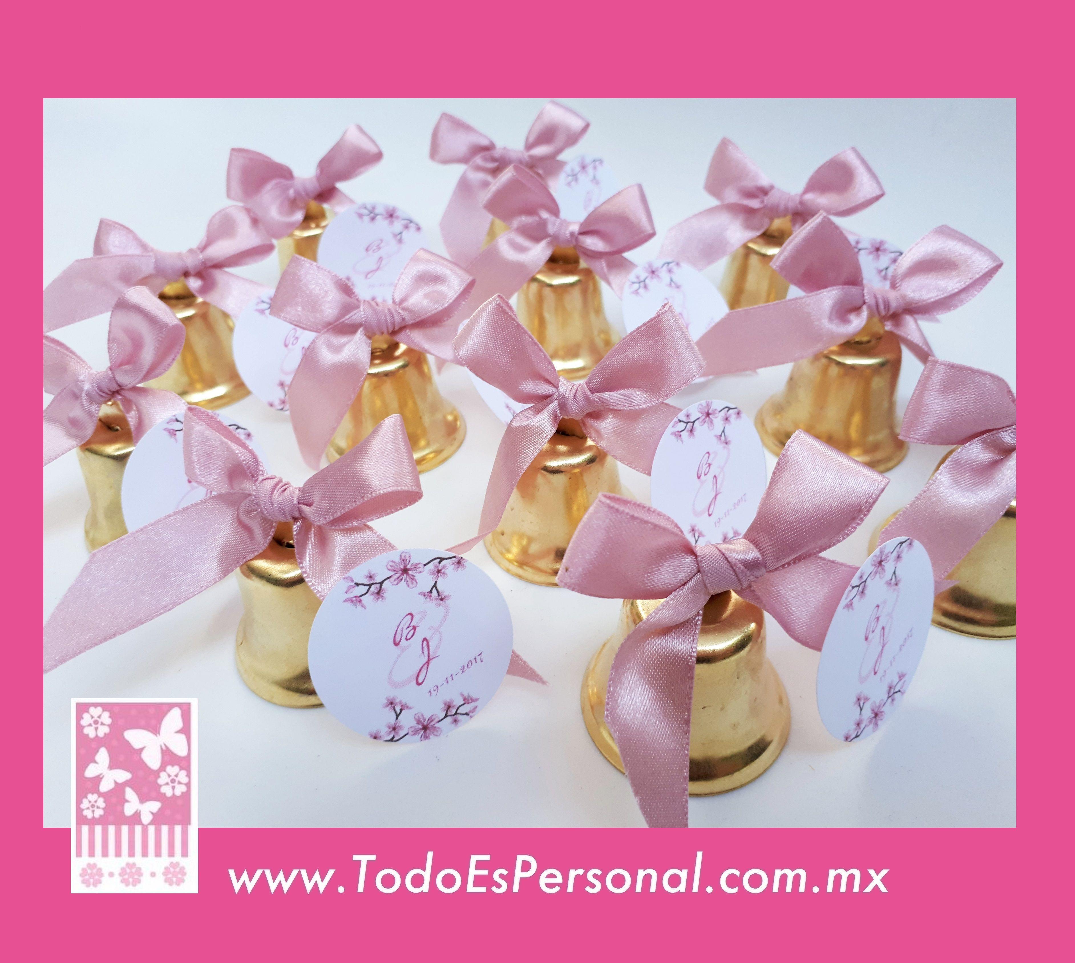 bolo para boda campanas doradas liston palo de rosa flores ...