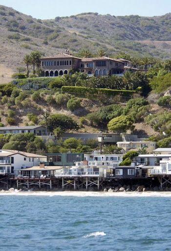 Mansiones De Famosos En Malibu California Malibu Mansion Mansions Malibu Homes
