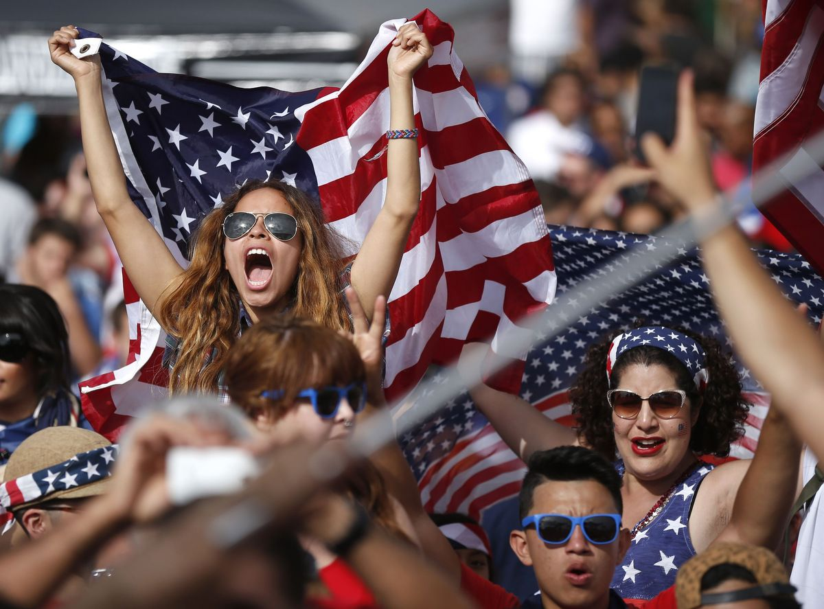 Team U S A Fans Celebrate Fifa World Cup Win Over Ghana Football Outfits American Football Clothing And Equipment American Football