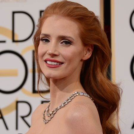 Jessica Chastain Went For Hollywood Glamour With Her Swept Back Soft Waves 10 Golden Globes