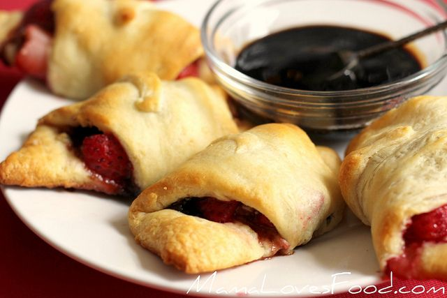 Strawberry balsamic crescent rolls...maybe to try with some goat cheese?