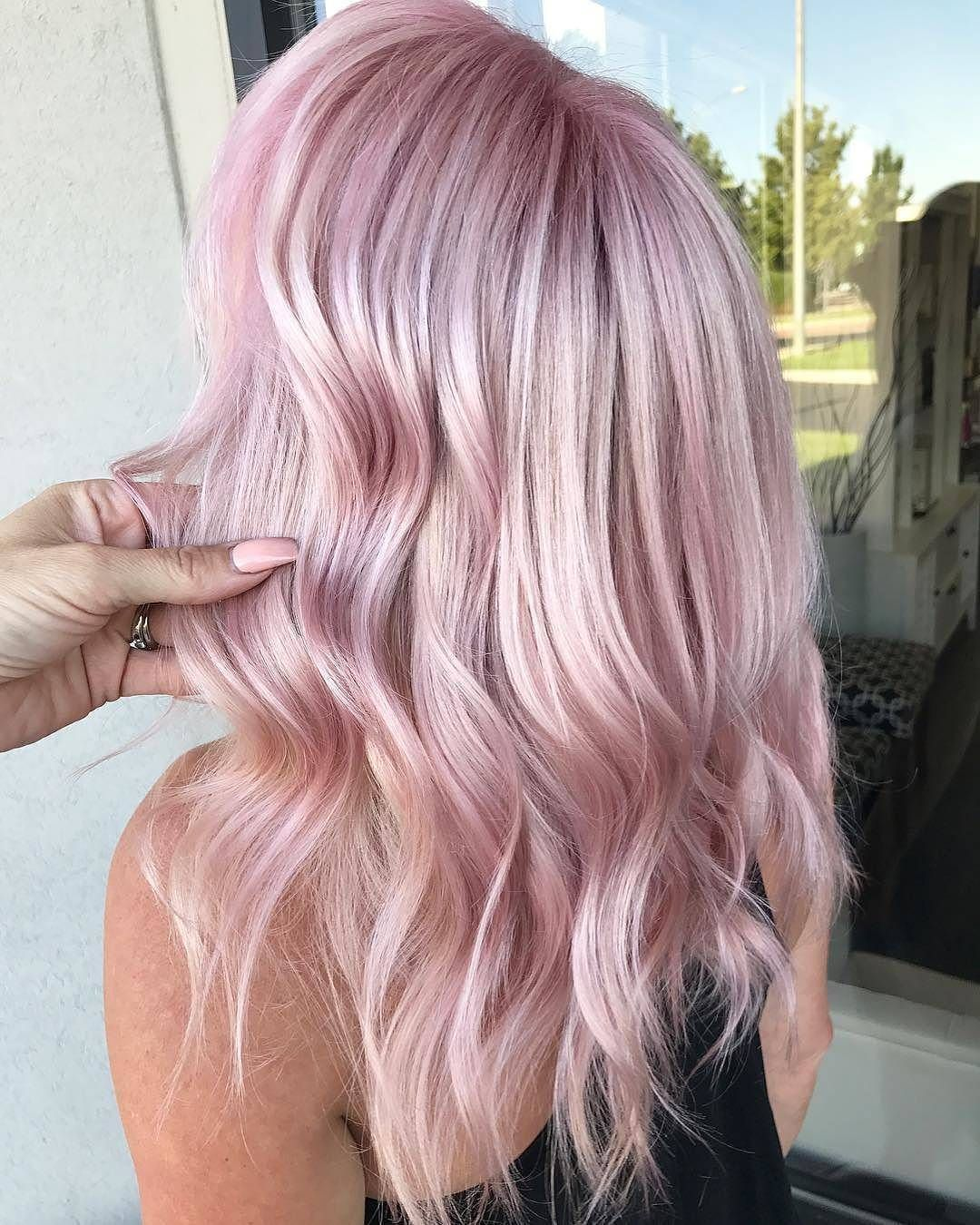 pingl par jessica normandeau sur coiffure en 2019 hair pastel pink hair et pink hair. Black Bedroom Furniture Sets. Home Design Ideas