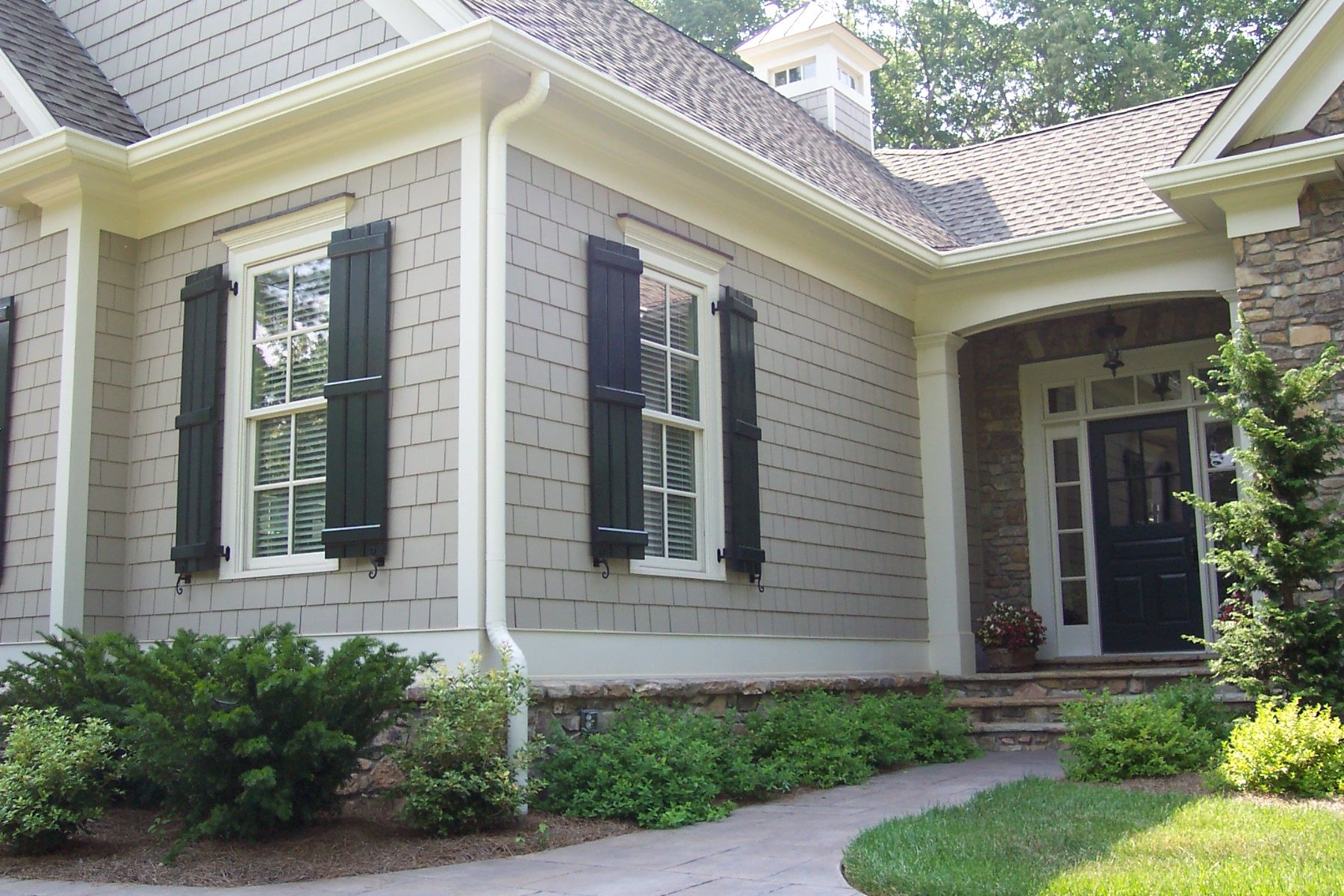 Awesome Board And Batten Siding For Your Home Decor Ideas