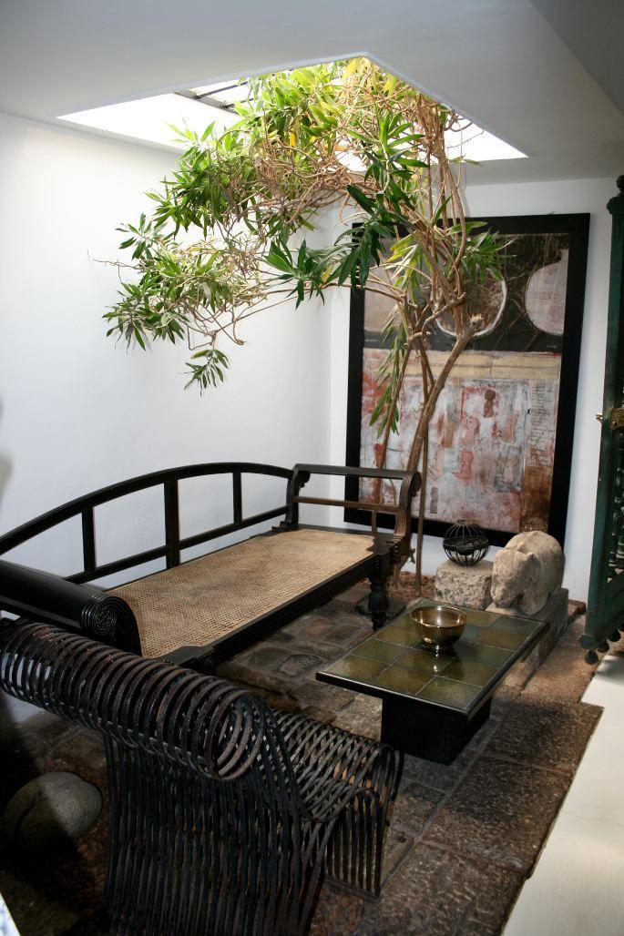 Geoffrey Bawa - Bing Images | Indoor courtyard, Building ...