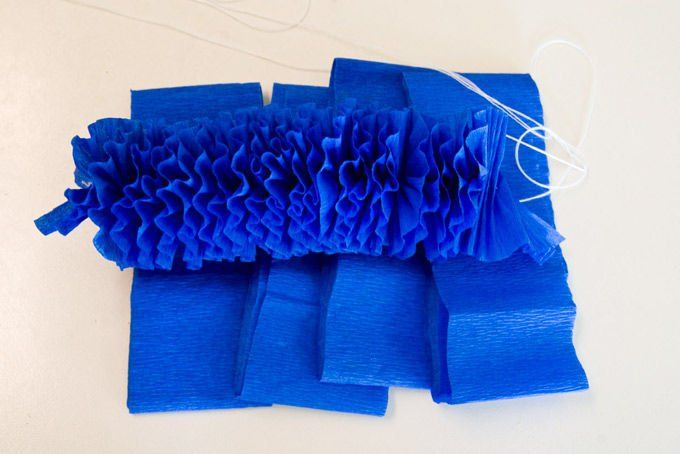 how to make crepe paper leis