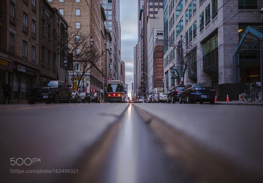 Toronto Street Car by kedenah