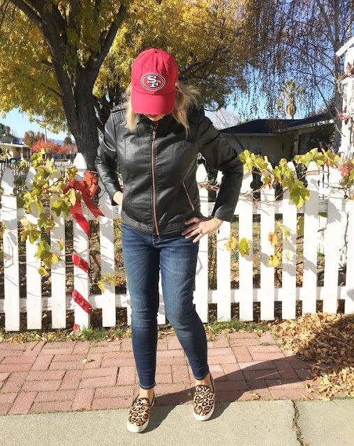 How I work my #NflFanStyle into my everyday wardrobe. #clevergirls #49ers