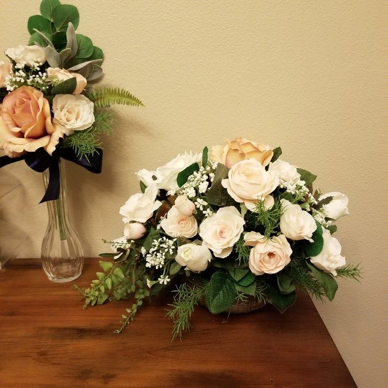 Blush And Mauve Wedding Arrangement From Hen House Designs Www Henhousedesigns Net Wedding Arrangements Mauve Wedding Floral Wreath