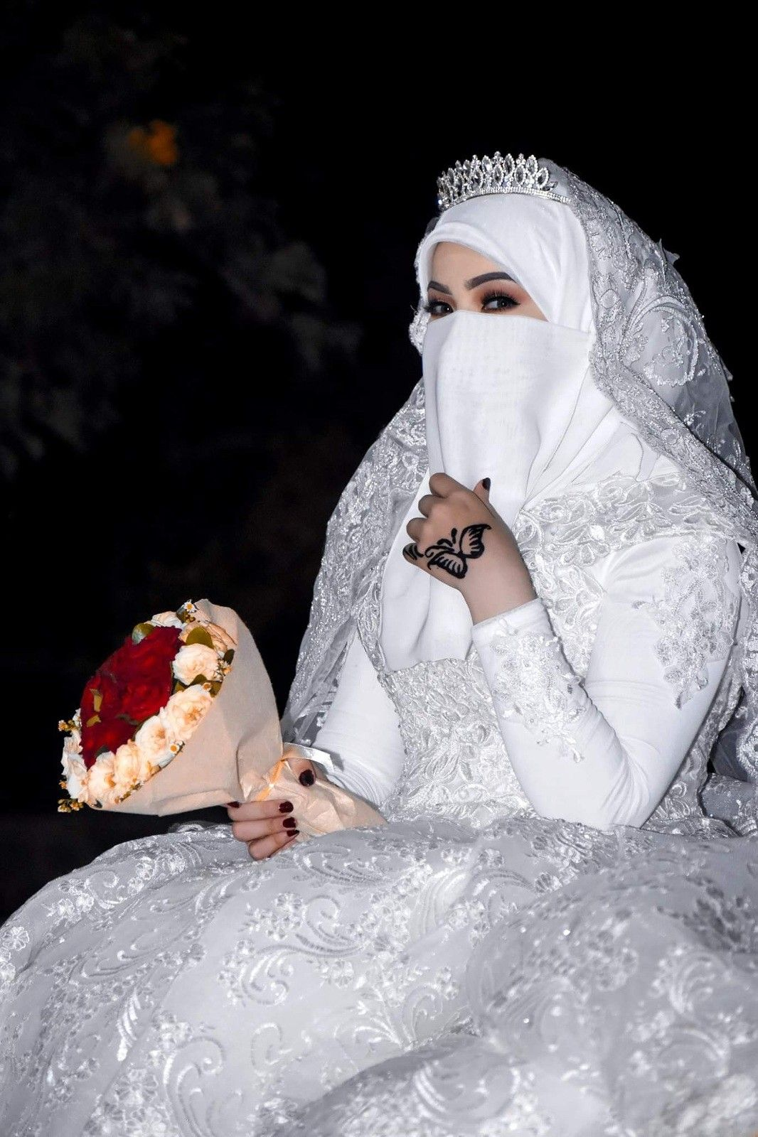 5d8a7e508 Pin by علي on عروس[با نقاب] | Muslimah wedding dress, Bridal hijab ...