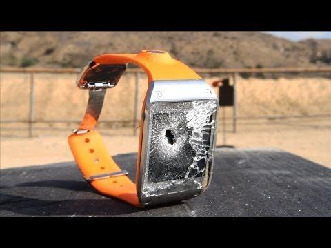 Nemilosrdný crashtest hodinek Galaxy Gear - napadlo by vás do nich střílet? [slow-motion video] - http://www.svetandroida.cz/nemilosrdny-crashtest-hodinek-galaxy-gear-napadlo-by-vas-do-nich-strilet-slow-motion-video-201312