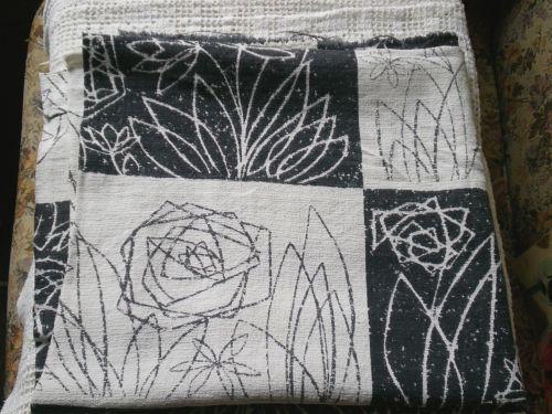 Original-Vintage-Retro-50s-60s-Black-White-Rose-Design-Barkcloth-Fabric-Remnant