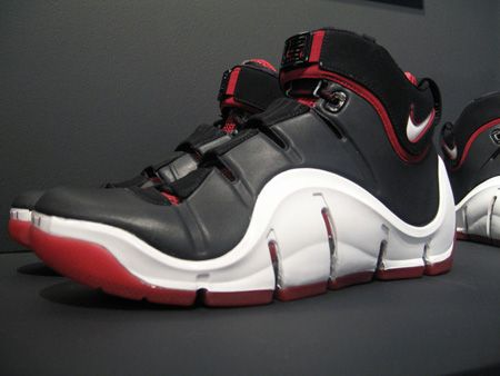 c340722f9961 Zoom LeBron 4. This is another LeBron signature shoe that had to grow on me