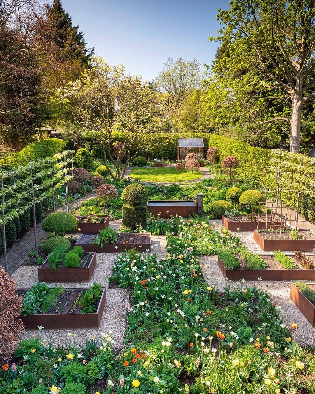 Gardens Illustrated On Instagram As Nationalgardeningweek Begins We Wanted To Share This Stunning Fruit Garden Design Vegetable Garden Design London Garden