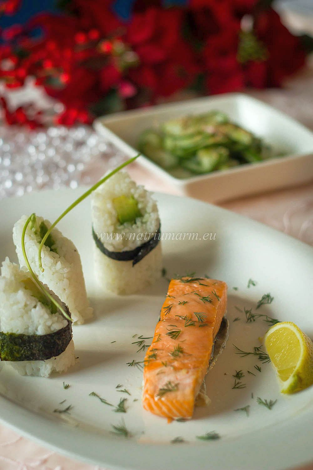 Part III of my kidney friendly christmas menu: Home smoked salmon and rice with avocado and chives (in Dutch bit with translator)