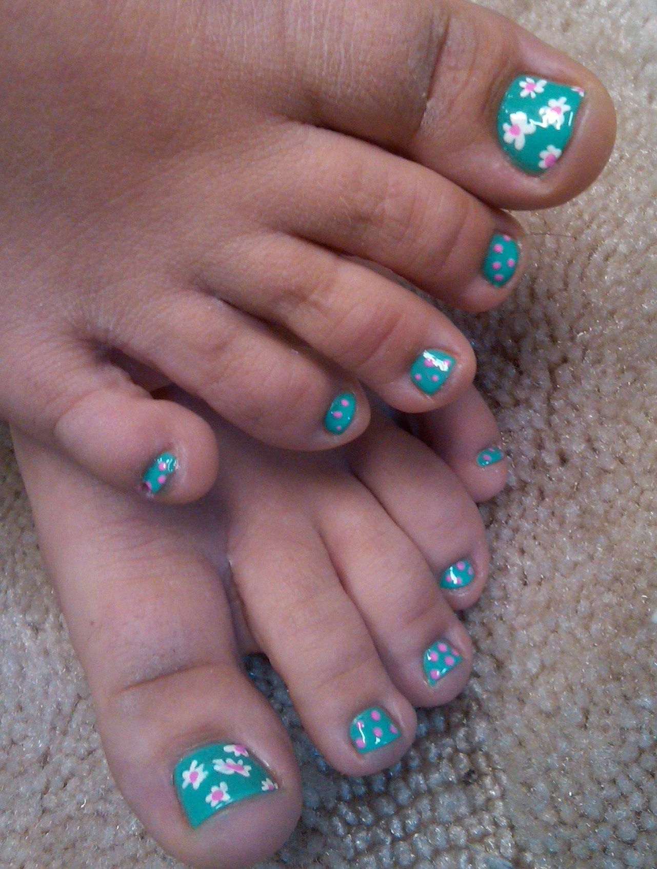 Teal daisy pedi toes ! Nails by Alicia Rock at A Touch of Joy ...