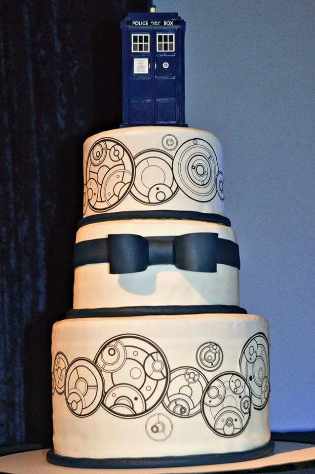 My Amazing Doctor Who Wedding Cake Date On Top Tier And Our Names