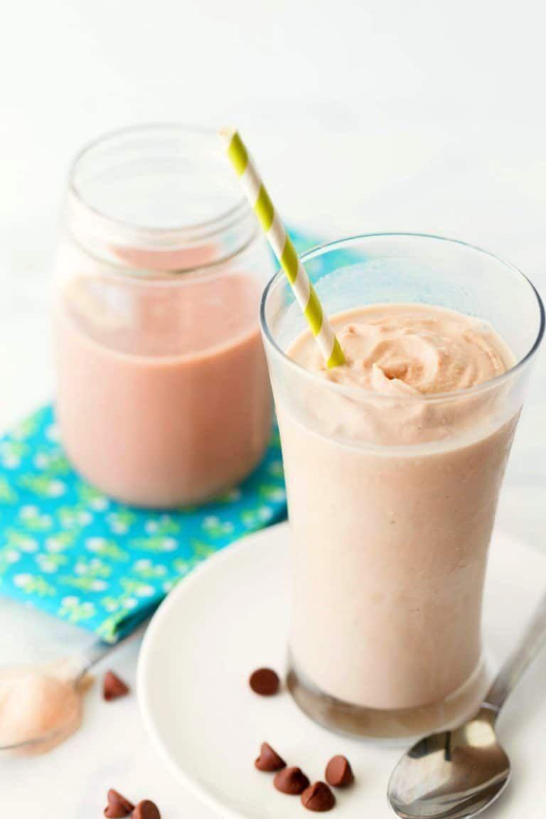 Copycat Wendy's Chocolate Frosty #chocolatefrosty Copycat Wendy's Chocolate Frosty - dessert #dessert #chocolatefrosty