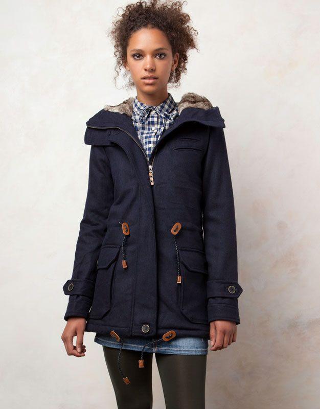 Este abrigo es perfecto para tu día a día este invierno 933a1993713b