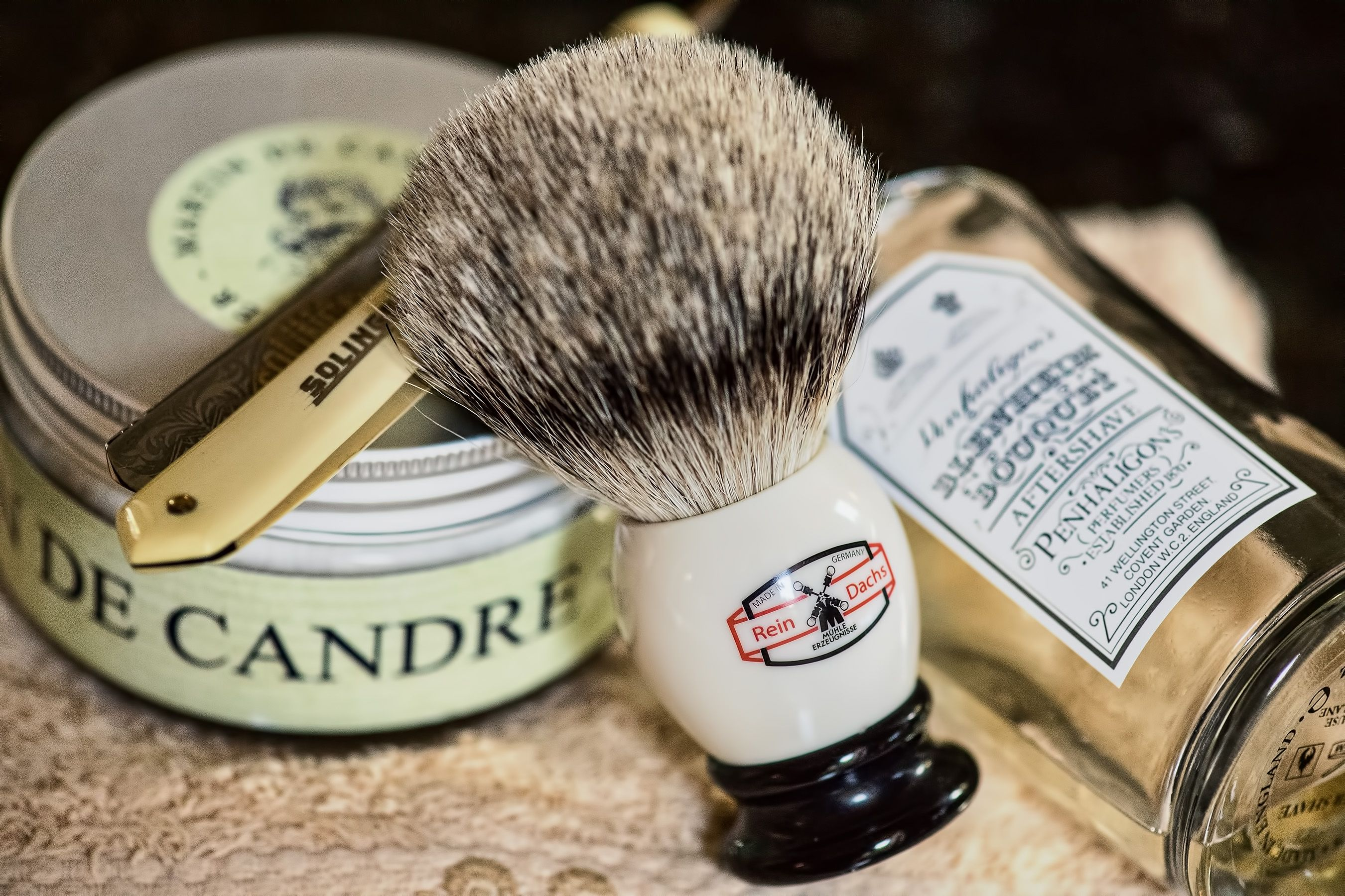 "Martin de Candre fougere shave soap, Muehle badger brush, Friedellko 5/8"" ""Saturday"" straight razor, Penhaligon's Blenheim Bouquet aftershave, December 31, 2016.  ©Sarimento1"