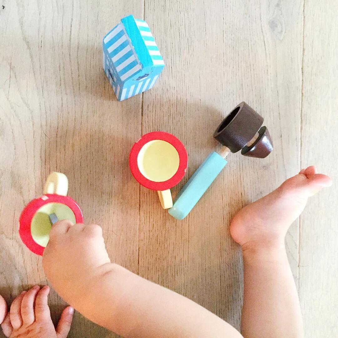 kaffeemaschine aus holz kinderk che accessoires zubeh r spielk che kaufladen playkitchen. Black Bedroom Furniture Sets. Home Design Ideas