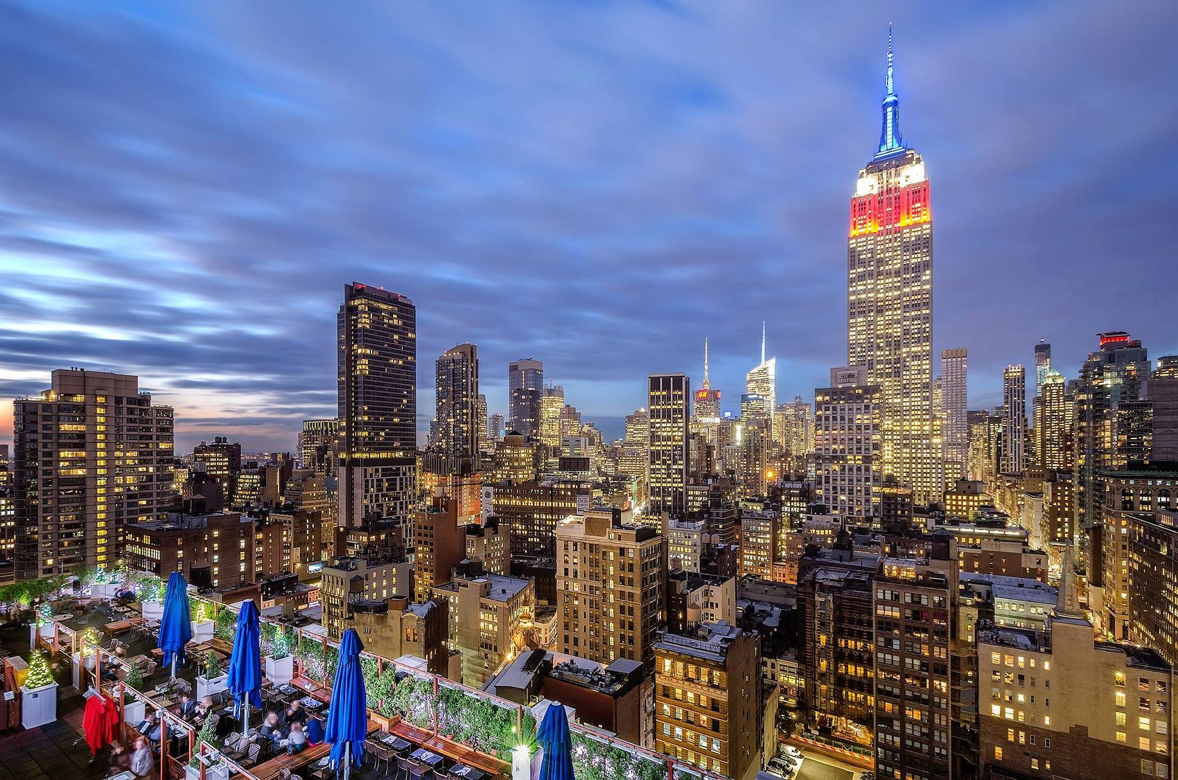 Combining world-class cocktails with dazzling skyline views, these are the coolest, classiest, and most spectacular rooftop bars in NYC.