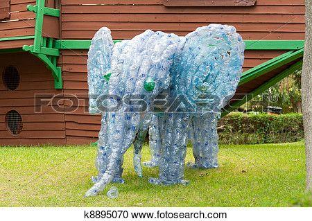 resultado de imagen para como hacer un mural con tapitas de plastico