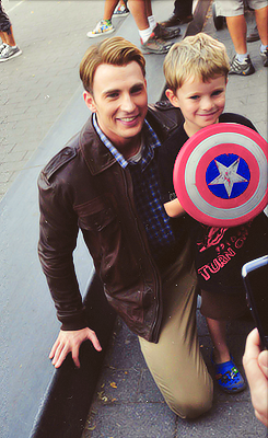 Chris Evans... heart is melted....