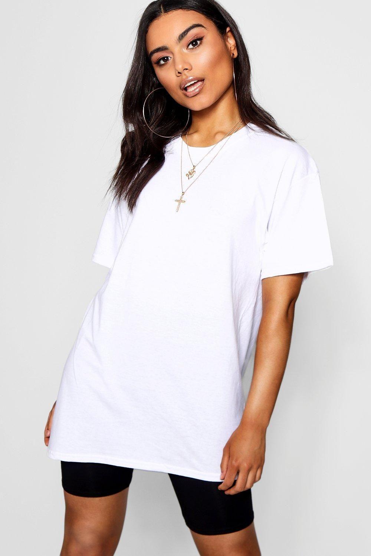 Basic Oversized Boyfriend T-Shirt | boohoo in 2021 | Boyfriend t ...