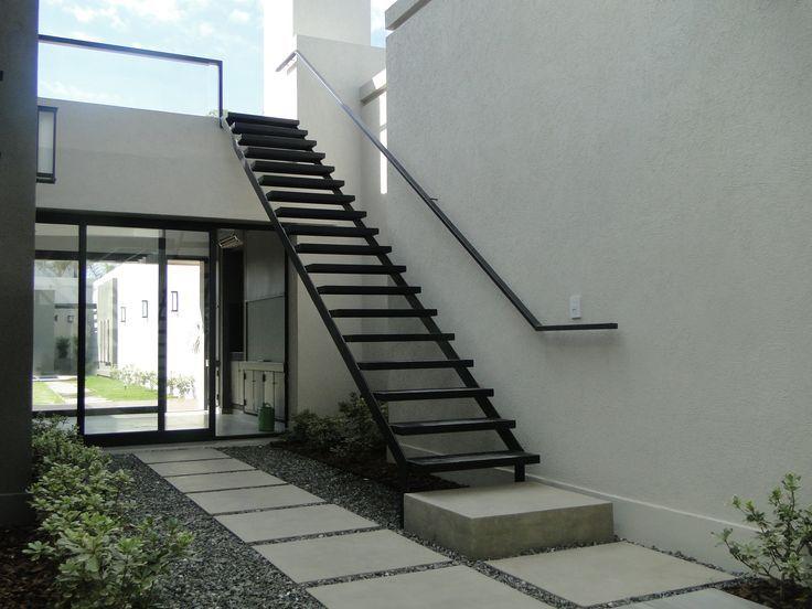 Straight stairs exterior google stairs for Escaleras metalicas exterior