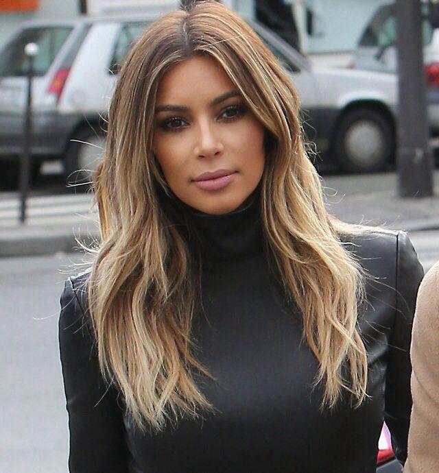 Kim kardashian balayage ombré hair style candids in Paris