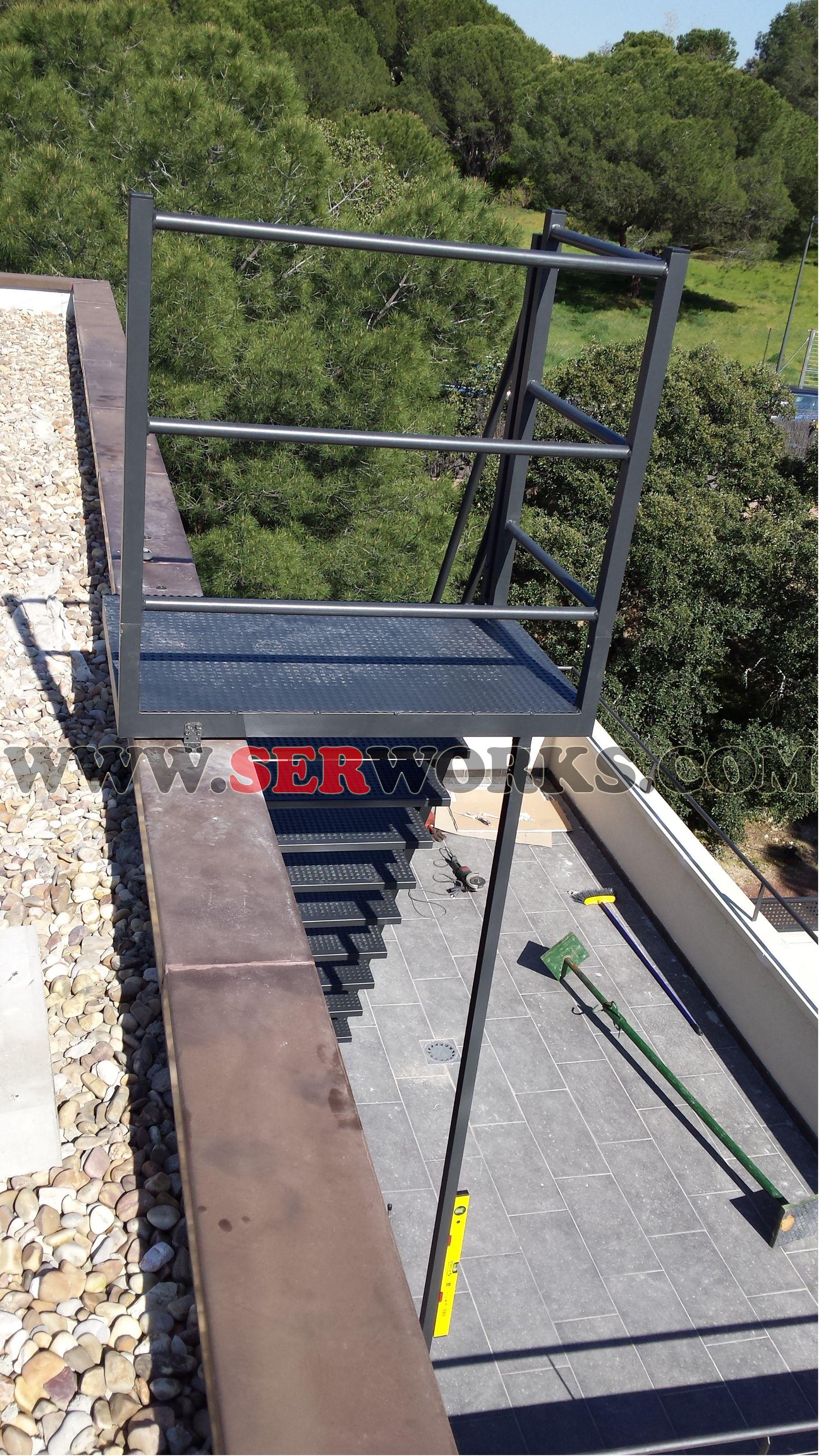 www.serworks.com Instalacion de escalera ya ensamblada en lugar de ...