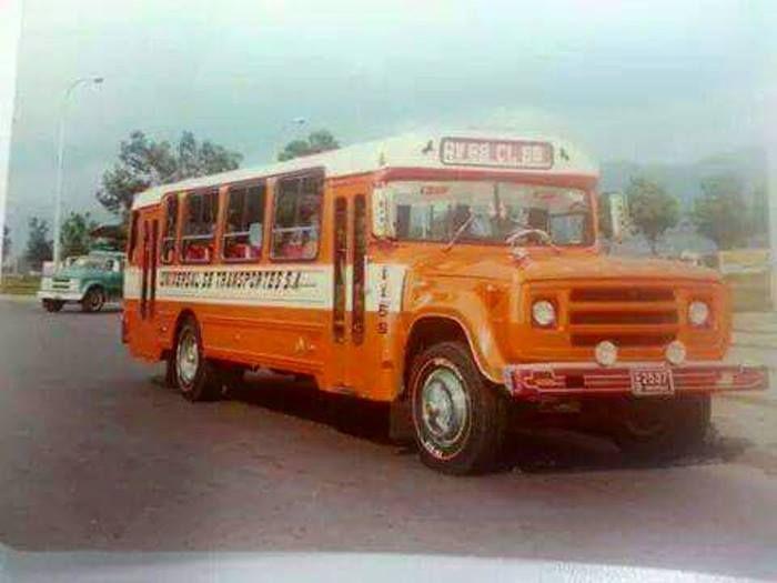 Pin De Luisa Fernanda Marrero En 80s Anos Luz Colombia Transporte Urbano Camiones Clasicos Bogota Antigua
