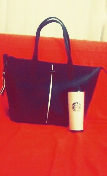 Pauls boutique & Starbucks