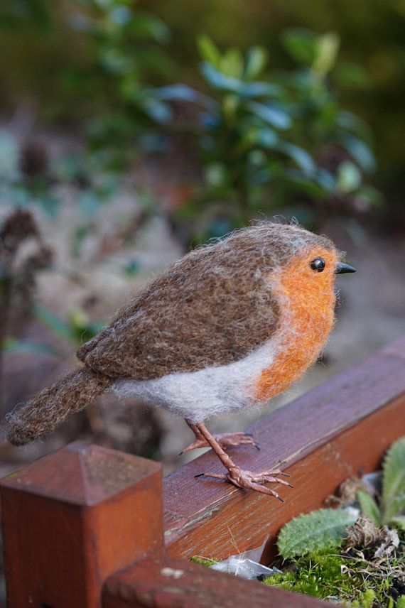 Needle Felt Robin Bird Sculpture #feltedwoolanimals