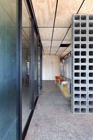blackwood street bunker | clare cousins architects | commercial, Innenarchitektur ideen
