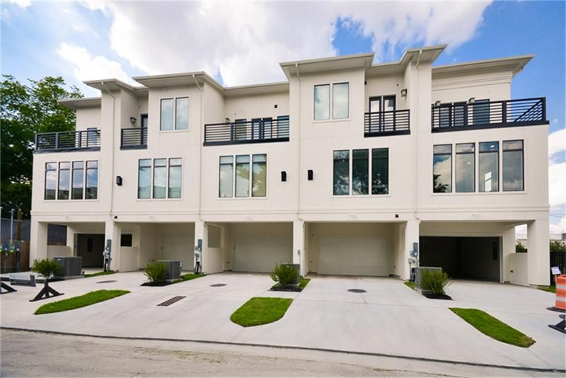 Photo of Rear Loading Garage (Phase I) - Plenty of guest parking! Hard to find Private Driveways!