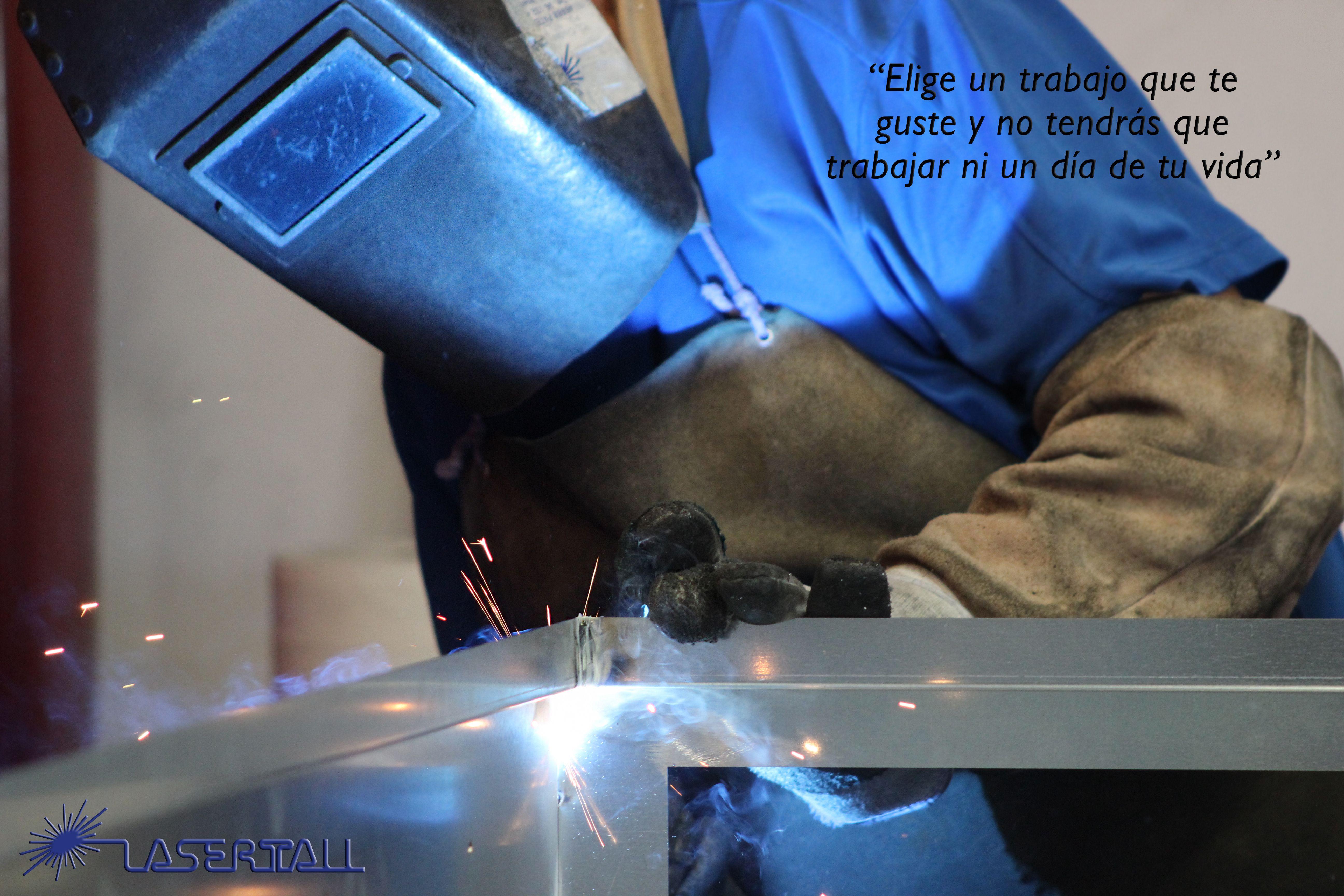 Elige un trabajo que te guste y no tendrás que trabajar ni un día de tu vida.  Lasertall