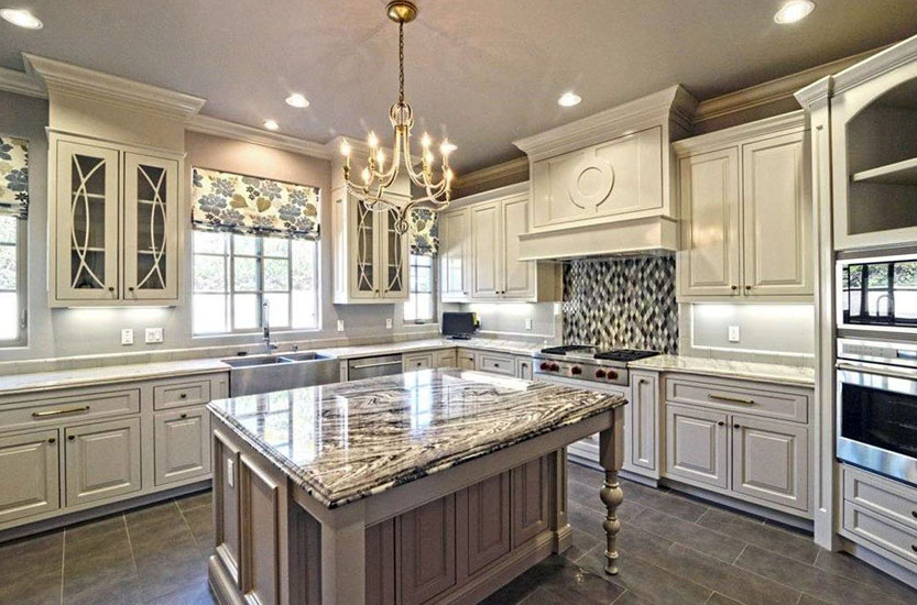 Traditional White Kitchen Cabinet With Granite Countertop Antique White Kitchen Antique White Kitchen Cabinets Antique White Cabinets