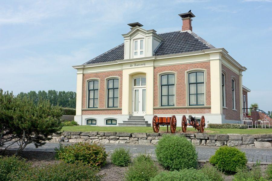 """Zoutkamp (Groningen) - Huize / Haus / Maison """"De Batterij"""""""