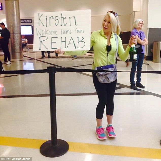 The Most Amusing And Mortifying Airport Greeting Banners Ever Funny Welcome Home Signs Funny Airport Funny Airport Signs
