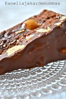 Kanelia ja kardemummaa: Suklaakakkua