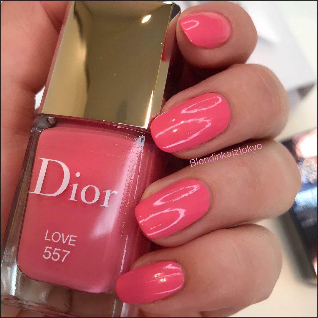 Dior Vernis Glow Addict (Vernis parfume ) 557 Love . Парфюмированный лак  для ногтей из
