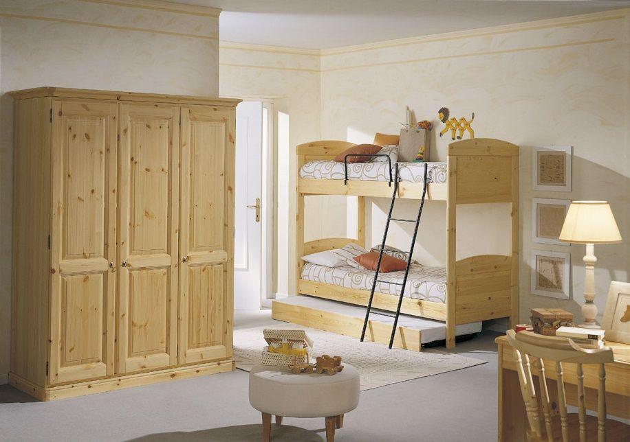 Camera in legno di pino con armadio 3 ante letto a for Letto a castello con armadio