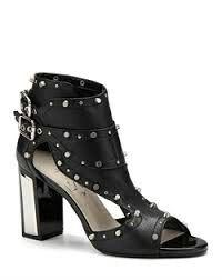 İlvi topuklu ayakkabıları