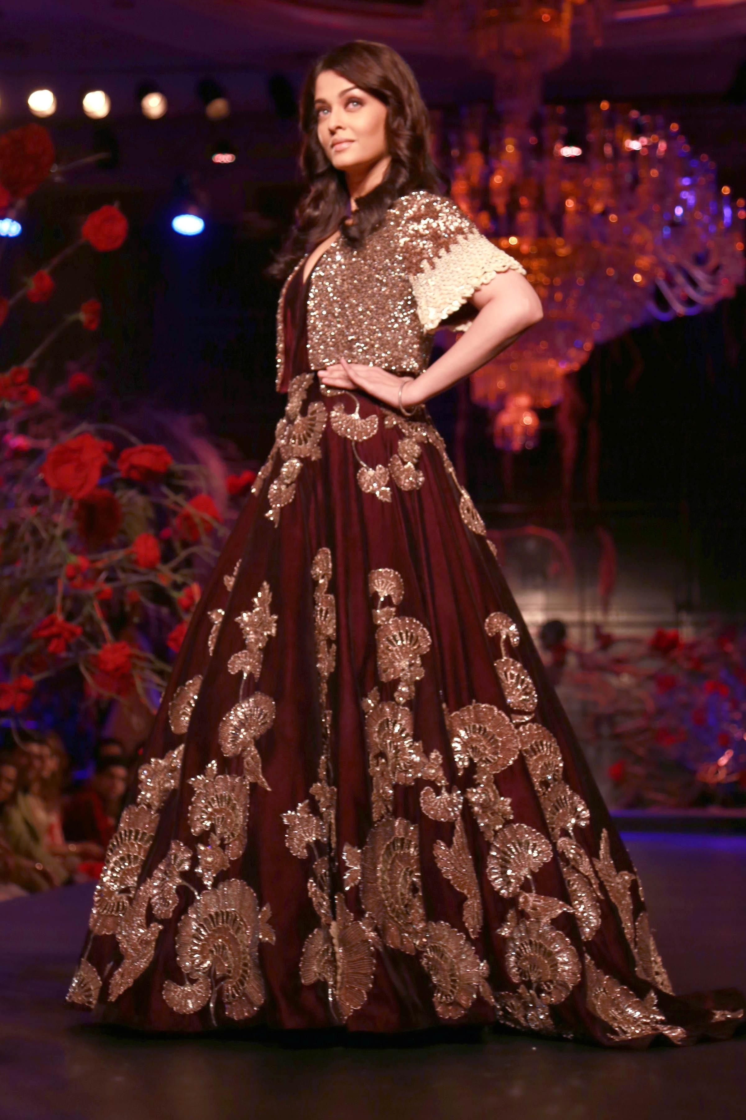 Aishwarya in Velvet lehenga by Manish Malhotra