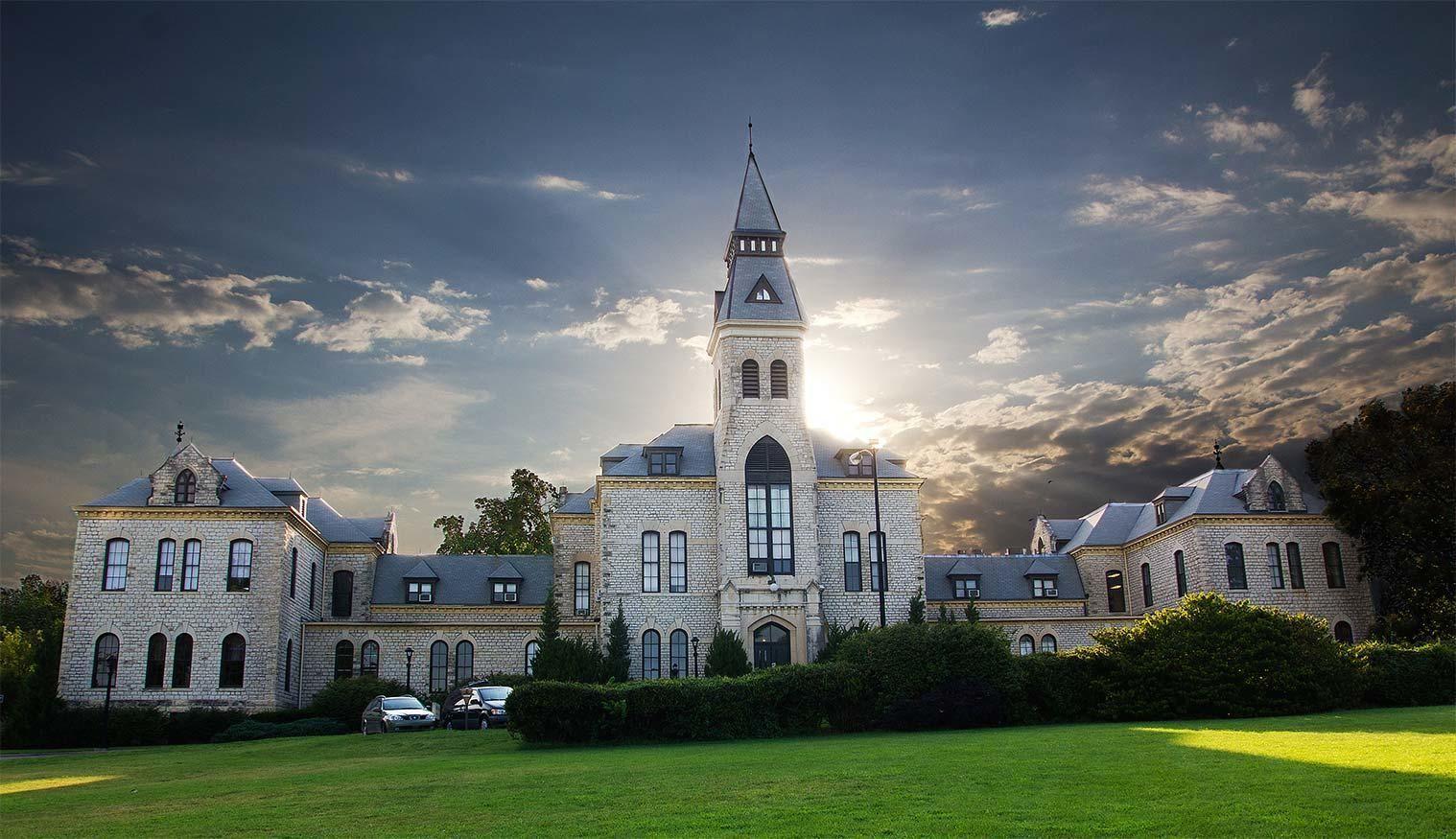 12 Things That Make Kansas State University The Best University Of Kansas Kansas State University Campus Kansas State