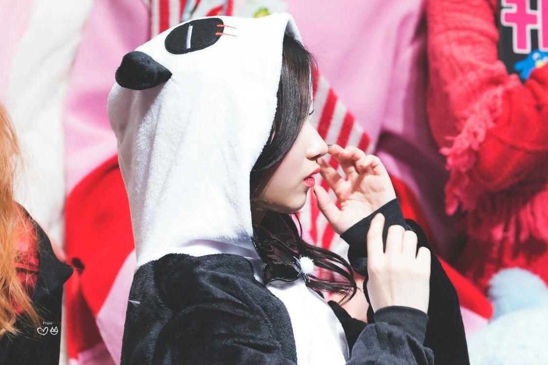 #minatozakisana #sanaminatozaki #사나 #minatozaki_sana #sana #sanatwice #japanline #japanese #japangirl #湊崎紗夏 #TWICE #트와이스 #shyshyshy #shashasha #cutiesexysana #cute #girl