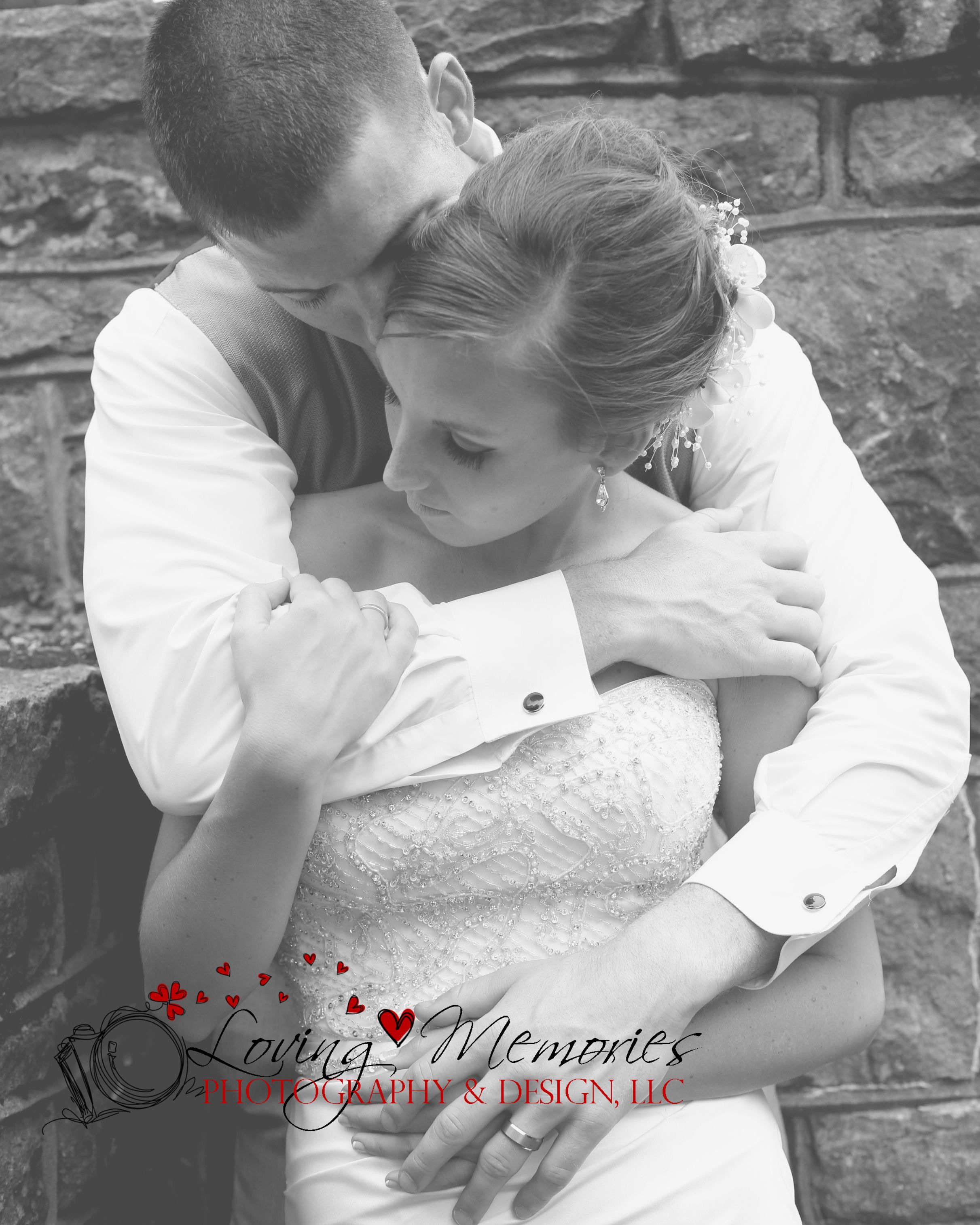 Love this bride and groom pose! Shows off both rings