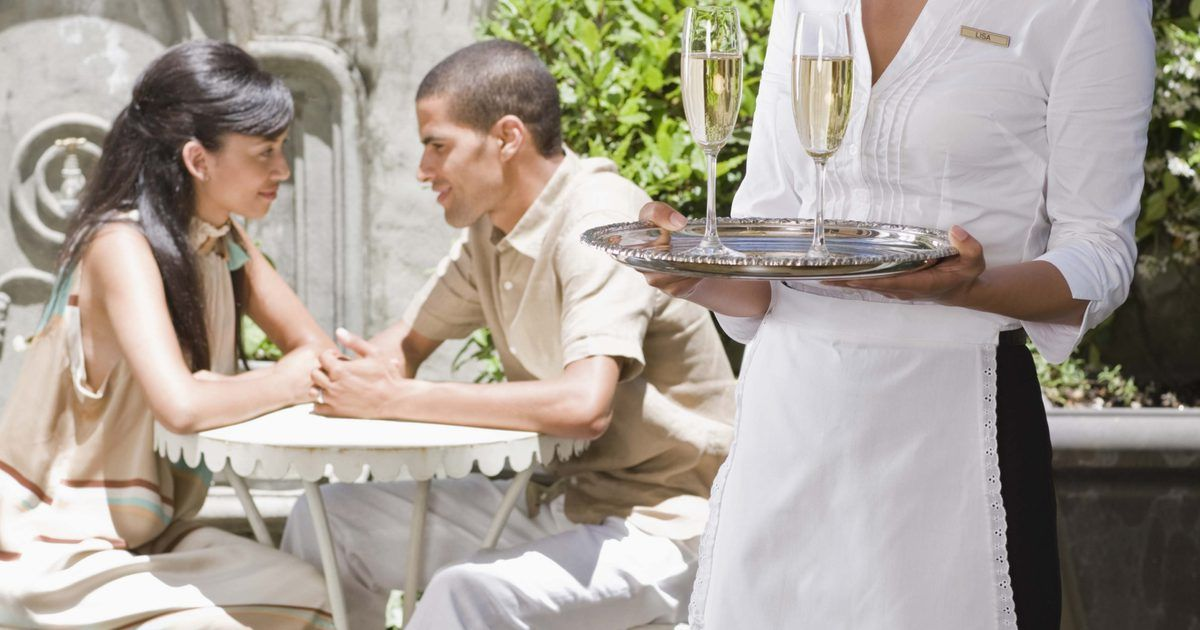 Cómo prepararse para una entrevista de camarera | Ley federal ...
